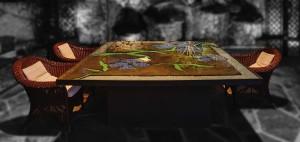 Mesa exterior de gran tamaño: está construida en una bandeja de acero y decorada con cristales molidos de colores y cuentas de pulseras.