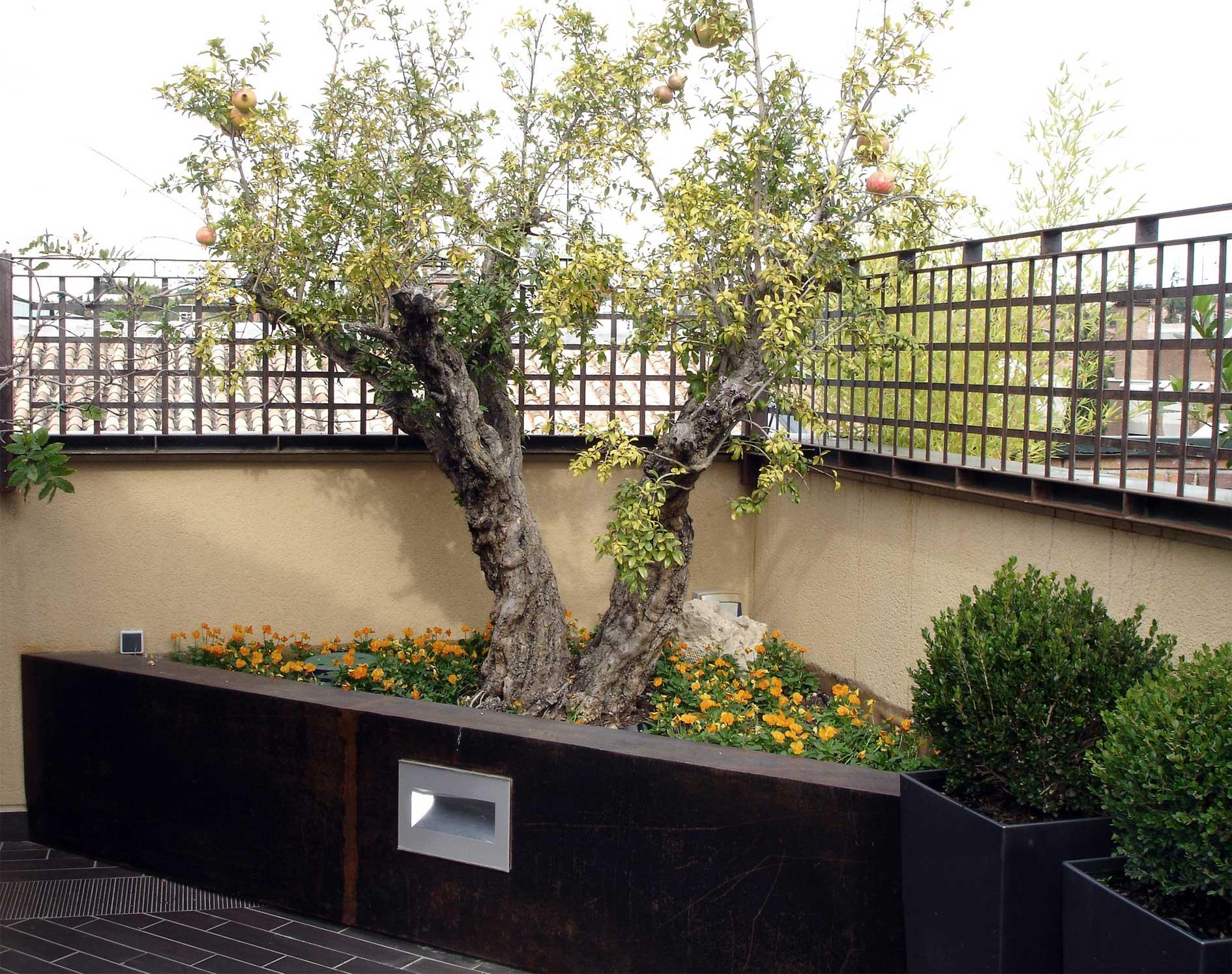 Jardinera de esquina - Slabon Forja Creativa
