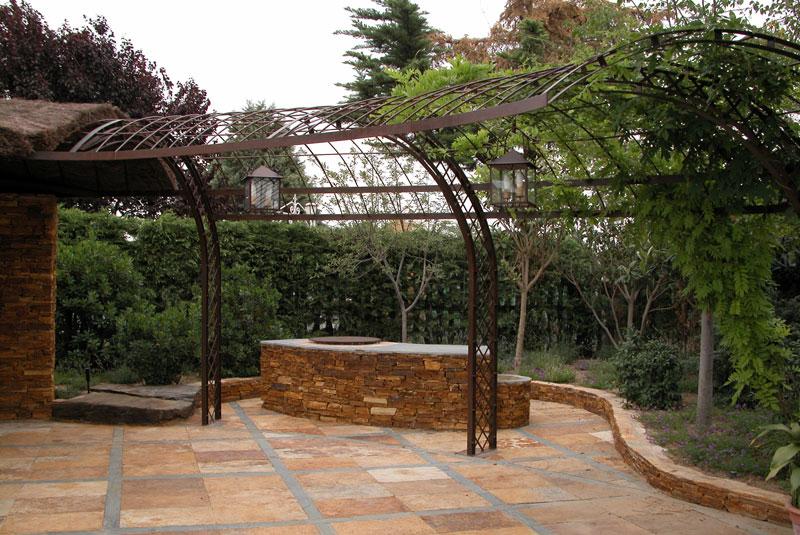 Slabon forja decoracion iluminacion fuentes mesas madrid - Pergola de hierro ...
